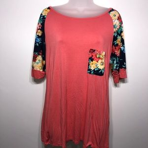 Voll floral print 3/4 sleeve top size medium